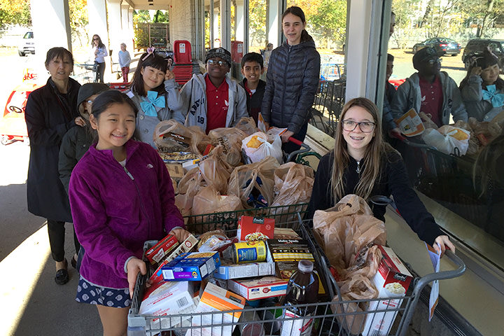 Middle School students food pantry collection